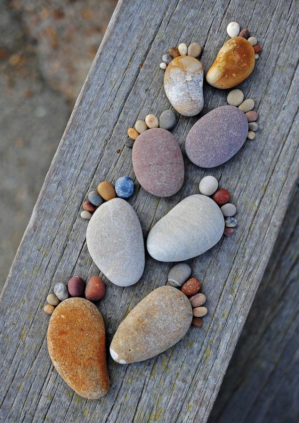 Stenen voetjes