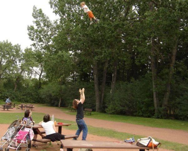 Hoe hoog kun je kinderen gooien?