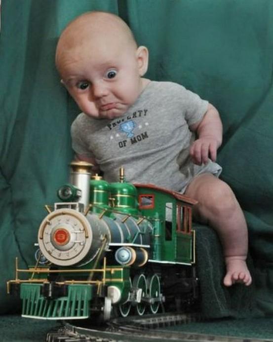 Wat kan een baby toch mooi kijken!