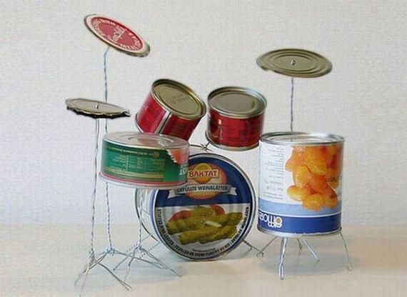 Bouw je eigen drumstel met lege blikjes