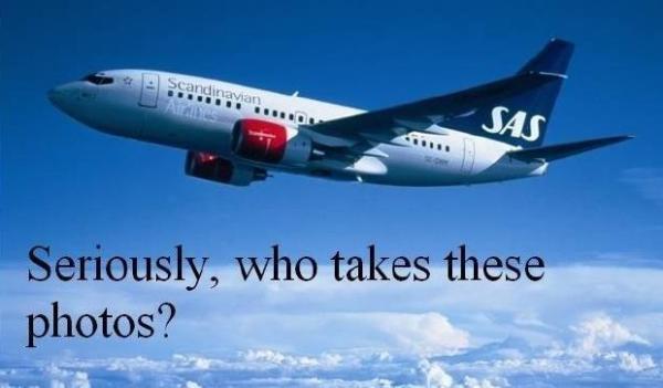 Wie neemt die foto's van vliegtuigen hoog in de lucht?